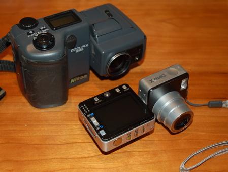 Pentax Optio X and Nikon Coolpix 995
