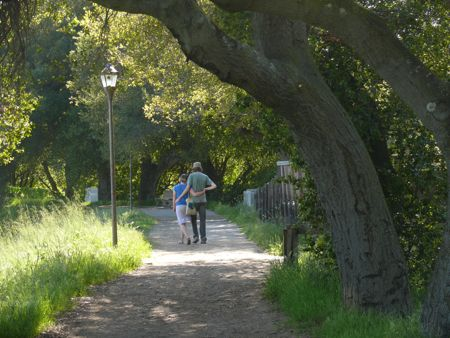 The path around Lale Lagunita