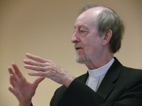 Rev. John Kater speaking at the Sunday Forum at Holy Trinity Episcopal Church, Menlo Park, CA